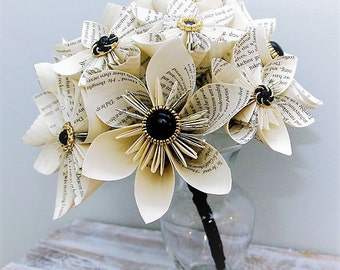 Book Page Bouquet, Kusudama bouquet, Origami bouquet, Black and Gold bouquet, Wedding bouquet, Wedding Flowers, Book page Flowers