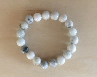 Gray serpentine elastic bracelet