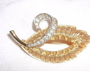 Vintage Signed SCHRAGER Brushed Gold Tone LEAF Pin Brooch Rhinestones Open Work!