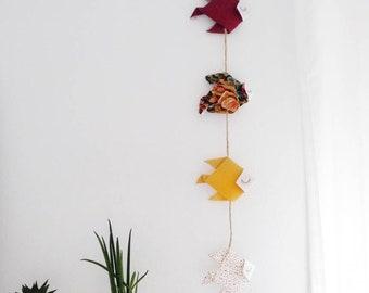 Móvil origami, móvil peces origami, móvil de tela, móvil colgante, móvil peces, móvil decorativo, móvil origami de tela, móvil cuna, flores