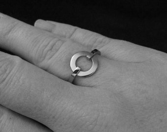Open Circle Ring, Hypoallergenic, Stainless Steel Jewelry, Infinity Ring, Gifts for Girlfriend (Sizes 5 - 9)