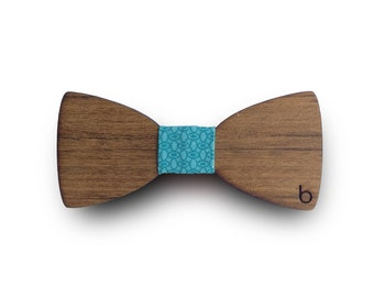 Wooden bow tie with Mar fabric