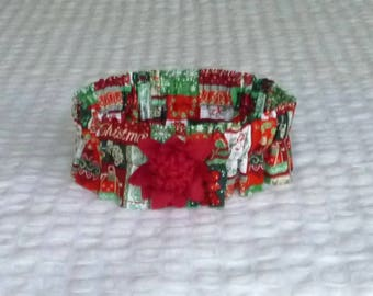 "Dog Ruffle Christmas Collar, Holiday Words Dog Scrunchie Collar - with maroon mum - Size L: 16"" to 18"" neck"