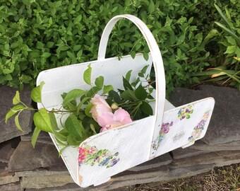 Flat Flower Gathering Basket / Flower Market / Flower Basket / White Shabby Chic / Garden Basket / Photo Prop