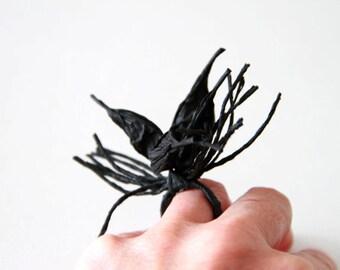 bague de papier noir, papillon de papier, bijoux de papier