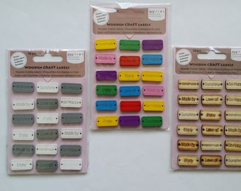 Set of 18 tags wood color