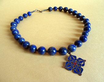 Wonderful Lapislazuli Necklace from India.