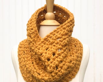 Mustard yellow scarf, super chunky scarf, crochet infinity scarf, circle scarf, warm winter scarf, gift for her, womens scarf
