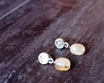 Brûlée Earrings are classic and simple.