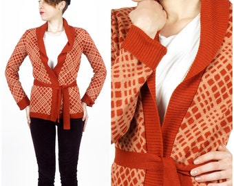 Vintage 1970s Brick Red and Soft Pink Belted Cardigan Knit Sweater with Geometric Diamond Pattern by Bronson | Small