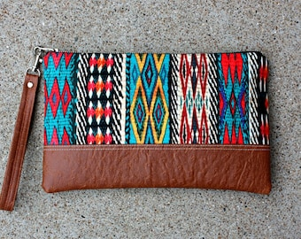 Southwestern tribal Clutch