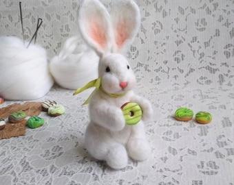 Felt bunny Needle felted rabbit Needle felted animal Merino wool felted hare Needle felted bunny Woolen animal miniature Needle felted hare