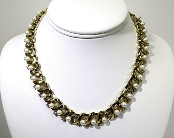 Vintage Trifari Pearl and Gold Necklace