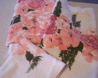 Vintage Unused Towel Set, Callaway, 3 PC Bath Towel Set, Pink, Peach, Bath and Hand Towel,  60s-70s,