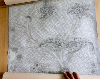 "Vintage Wallpaper, Full Double Roll of French Blue Floral from C S Co, pattern 5551 ""The Marblehead"""