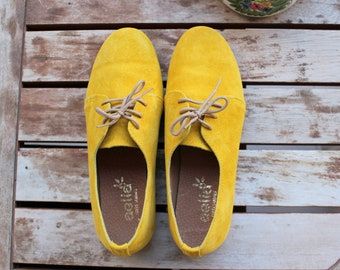 Oxford Woman Shoes Yello Suede