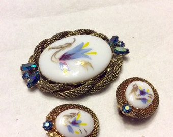 Hand painted porcelain brooch and earrings set 1950s.