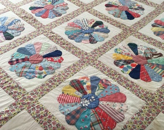 VINTAGE QUILT FULL Lightweight 80 x 100 Hand Stitching Farmhouse Folkart Summer Quilt Wallhanging at B Street Vintage