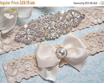 ON SALE Wedding Garter, Crystal Bridal Garter Set, Vintage Inspired Wedding Stretch Lace Garter, Bridal Garter, Size Plus Garter