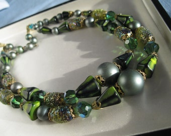 Art Double Strand Vintage 1950's beads