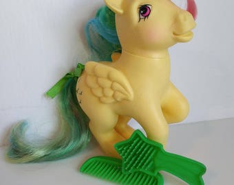 Skydancer My Little Pony G1 Pegasus Pony Rainbow / Yellow Toy Figure 1980s Hasbro - Toys Of The 1980s