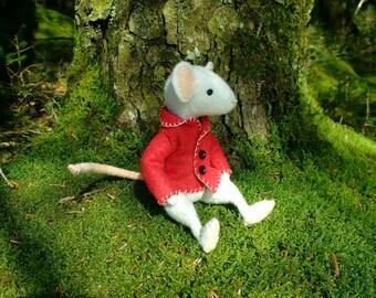 Thornton Mouse felt sewing kit