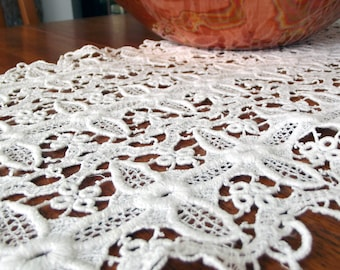 Vintage Table Scarf- white lace floral pattern