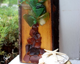 Tropical Home Seaglass Art , Palm Tree Wall Hanging on Natural Wood and Bark Slice , Beach Decoration
