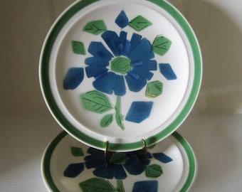 "Set of 2 Retro Vintage Gambles Import Corp Green & Blue Flower 7 1/2"" Lunch Plates - JAPAN"