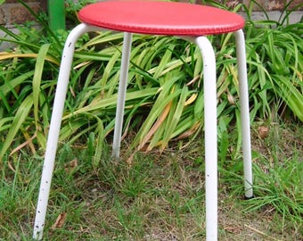 Simple 60ties vintage kitchen stool, round steel stool, Rotbäckchen