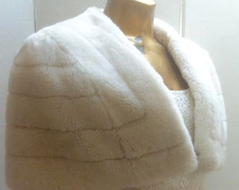 Fake fur cape for vintage wedding. 50's cape made from 'Furleen' nylon fur, very soft to touch, wide in the shoulder quite a generous size.