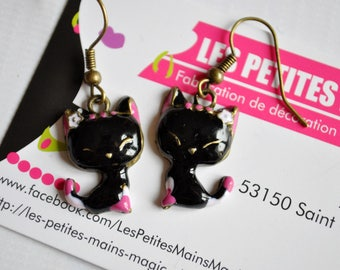 kawaii pink and black cat stud earring