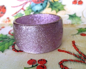 Purple Glitter Bangle Bracelet, Lavender Amethyst Purple Inclusion Bangle Wide Small Size Youth Size Glitter Mid Century Mod Vintage Jewelry