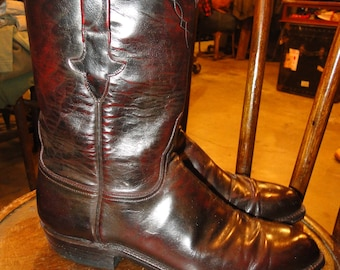 Vintage lucchese Leather Boot Cowboy Western Boot Black Cherry size 9.5 D
