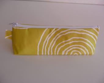 Round white line no. 5 multicolored cotton green/yellow clutch