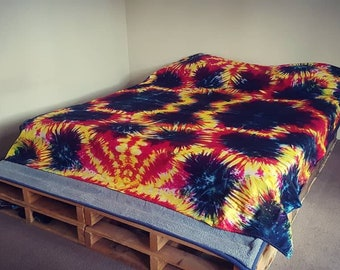 Tie dye Bedding, Quilt Cover, Doona Cover, Duvet Cover Set, Cot Set. Tie dyed bedding by Australian Artist Clair Sol, Yellow, Pink, Navy