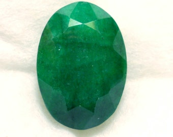 208 carat  .....  faceted emerald gemstone  ...  43 x 30 x 25 MM