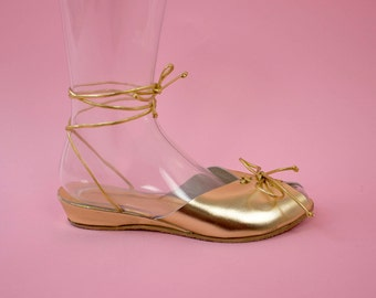 THE TWINKLE TOES - 1940's Inspired Metallic Gold Leather Adjustable Ankle Strap Wedge Sandal & Lace-Up Front - Size 5 to 12