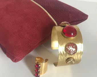 Cuff Bracelet gold and Red cabochons