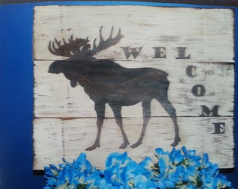 Moose silhouette Sign/Wooden Moose Sign/cottage sign/distressed//cottage decor/Farmhouse Welcome/Hunting Sign/Welcome sign/Porch Decor
