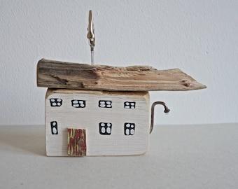 dekoratives Holzhaus Haus Scheune aus Treibholz Dekoration Unikat Bildhalter