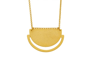 EMBLEME - Minimalist matte gold-plated long necklace with textured semi circle Sunrise