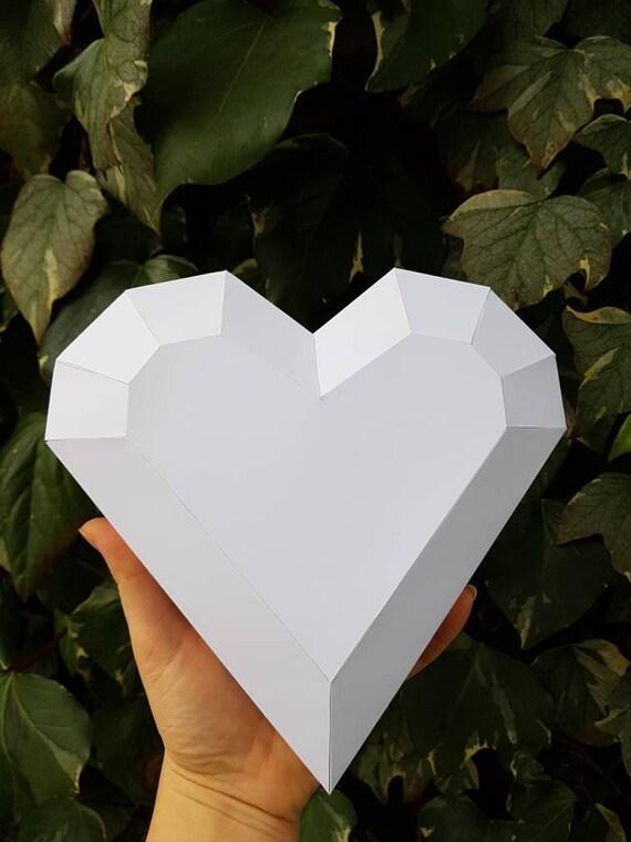 Druckbare Papiermodell der Herzen Folding 3D DIY Schablone