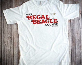 THE REGAL BEAGLE T-shirt - Three's Company *John Ritter*