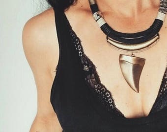 The Horn Pendant Knecklace