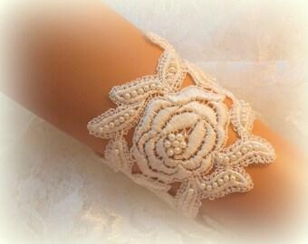 6.5 inch to 8.25 inch -  Ivory Lace Bridal Bracelet / Wedding Lace Bracelet / Bridal Wrist Cuff / Bridesmaid Bracelet