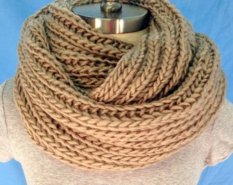 Womens Mocha Brown Chunky Knit Infinity Scarf -Free Shipping! Winter Scarf. Knit Scarf. Loop Scarf. Women Fashion Accessories. Gift Ideas.