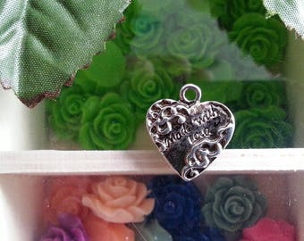 Silver antique heart pendants in Tibetan silver, lead and cadmium-free, approximately 19.5 mm long, 17.5