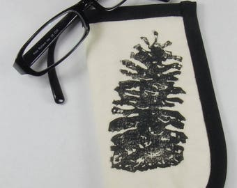 Quilted Longleaf Pinecone Glasses Case