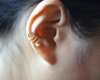 71)Non-Pierced PEARL EAR CUFF